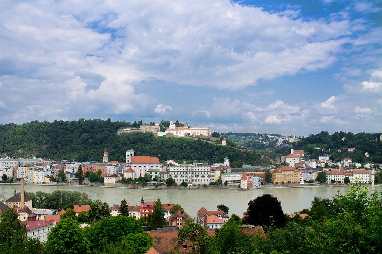 Ausztria