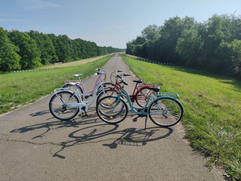 Madárpart Pihenő, Kölcsönző és Kemping kerékpárok